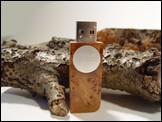 USB stick 'Face' of Elm burl root